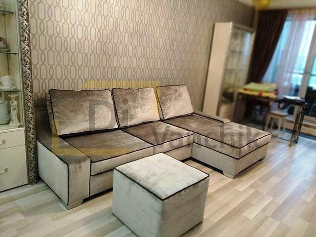 серый бархатный угловой диван