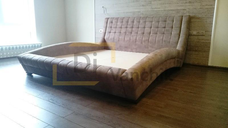 кровать стильная мягкая