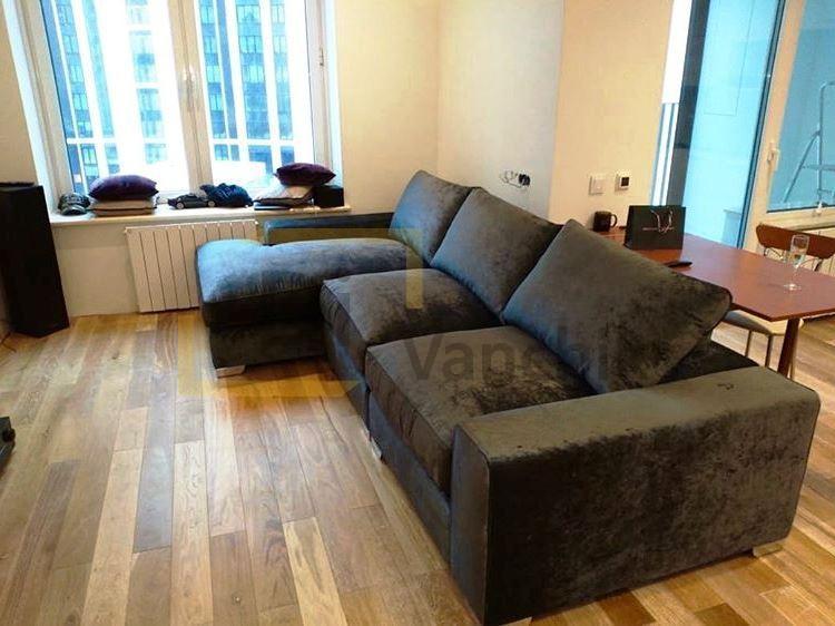 диван перед телевизором угловой