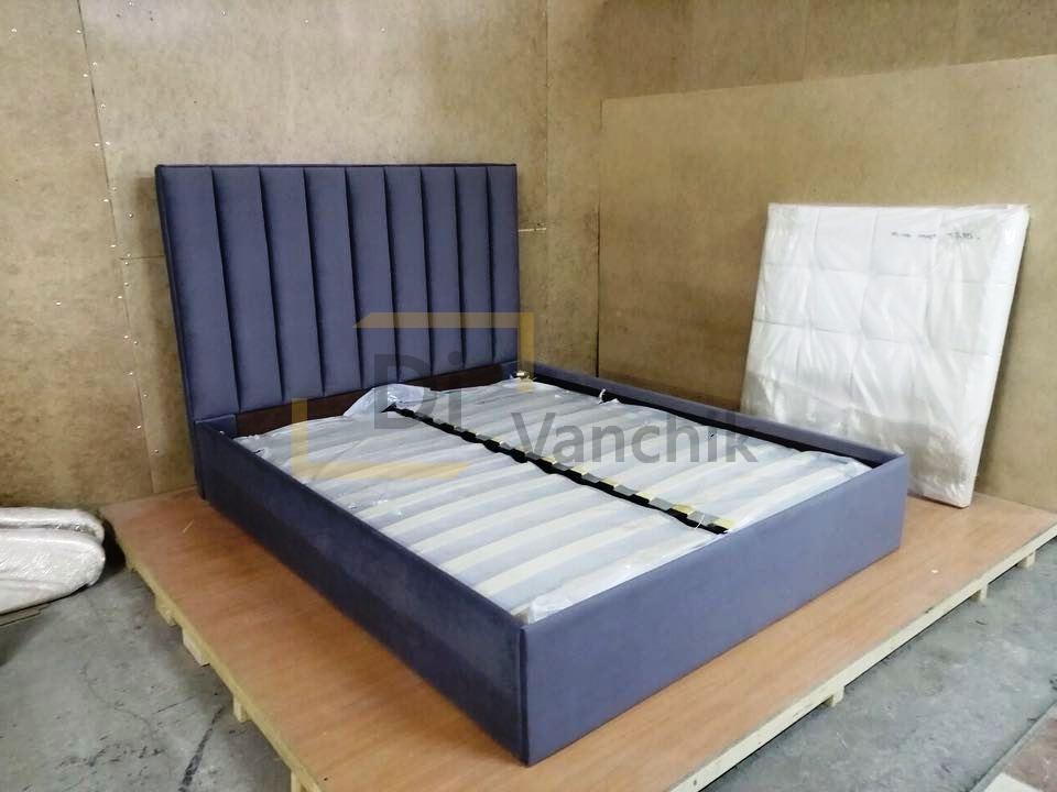 синяя кровать мягкая с изголовьем23
