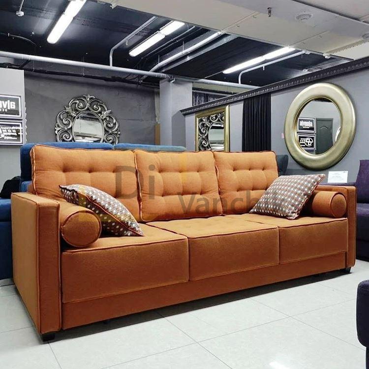 трехместный прямой диван в оранжевом цвете