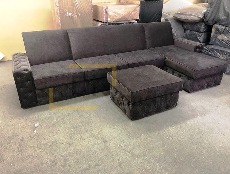 темный угловой диван с пуфом2