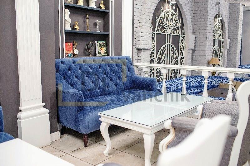 небольшой диван для ресторана Киев2
