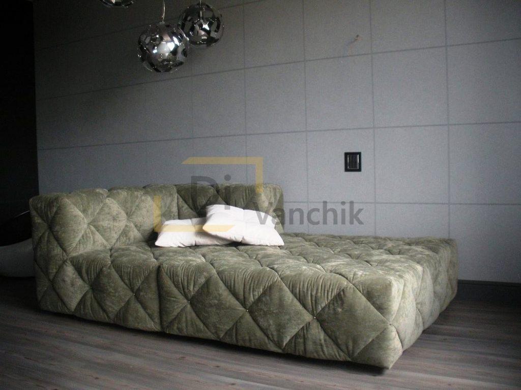 прошитый мягкий диван оливковый