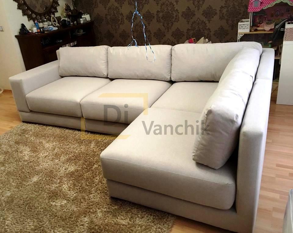 светло серый диван для гостиной комнаты