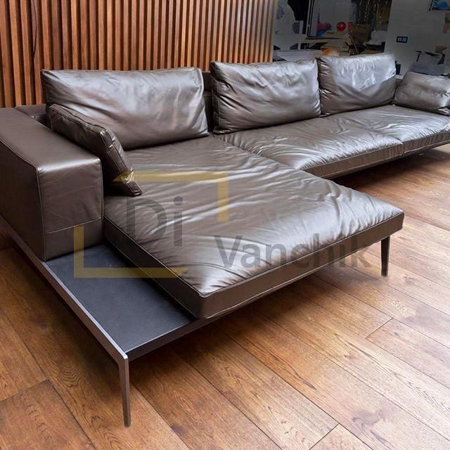 кожаный угловой диван мятый