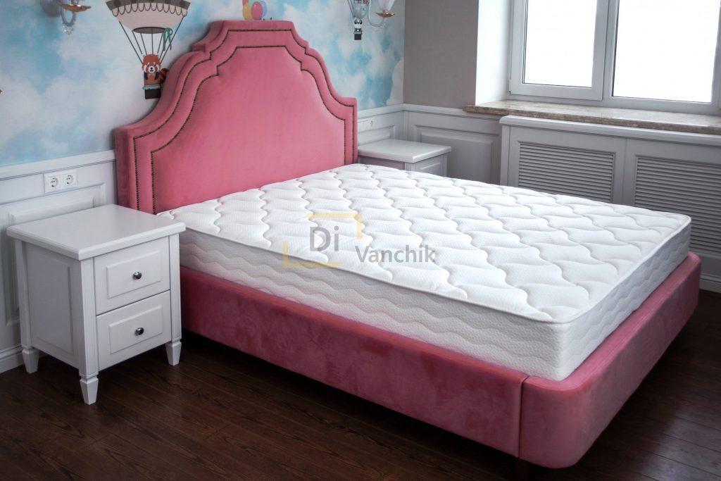 розовая кровать мягкая для детей