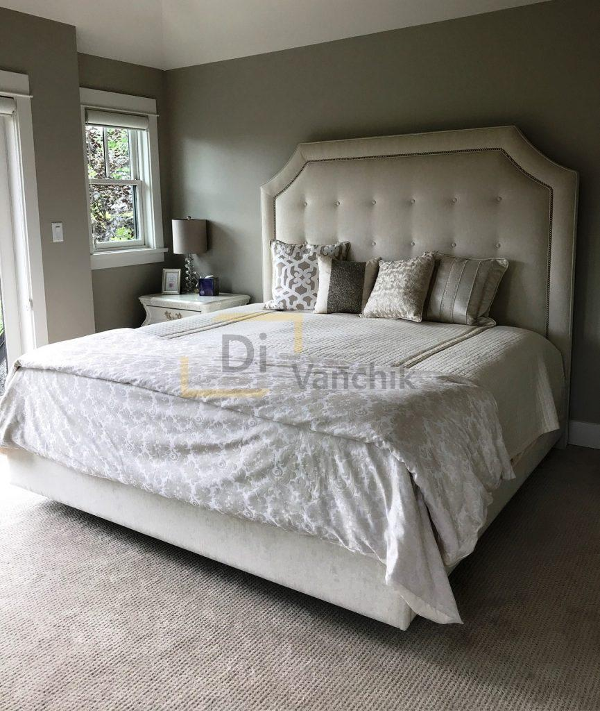 кроватка мягкая с большим изголовьем