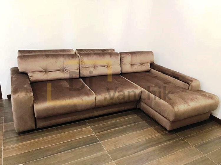 угловой диван блистящий