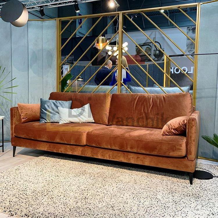 оранжево золотисный диван в магазин