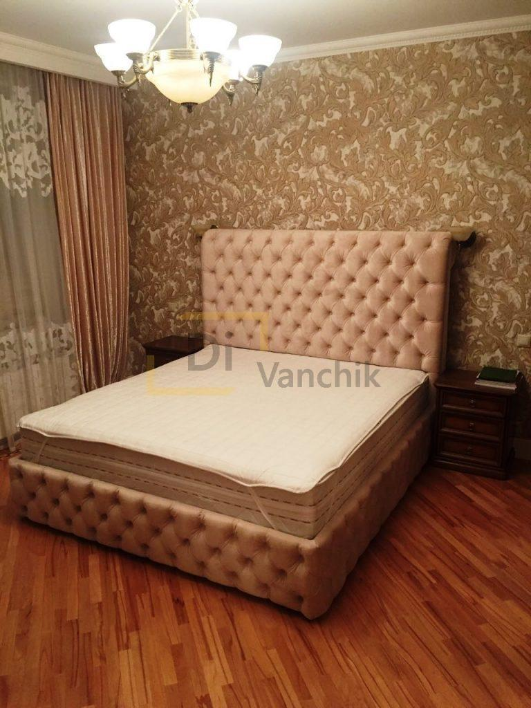 мягкая кровать в пиковке честер