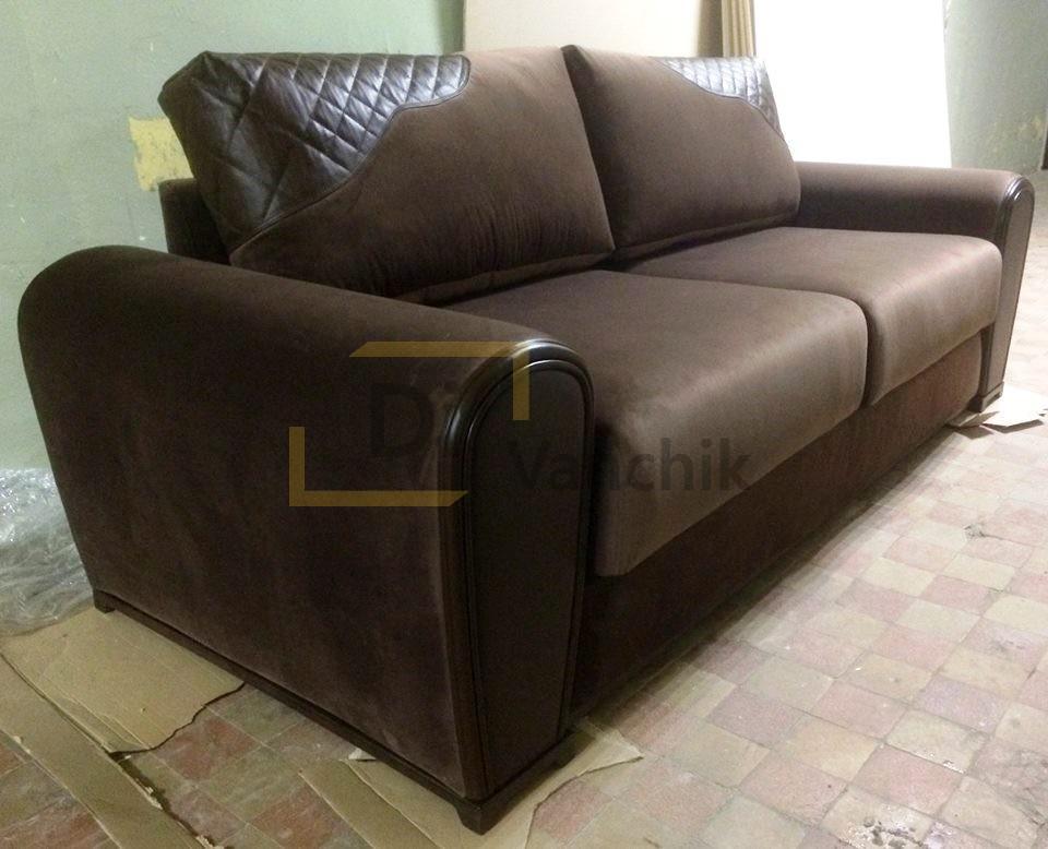 коричневый диван из ткани