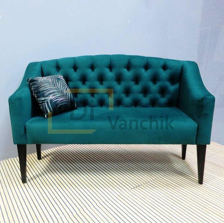 прямой диван в пиковке на два места