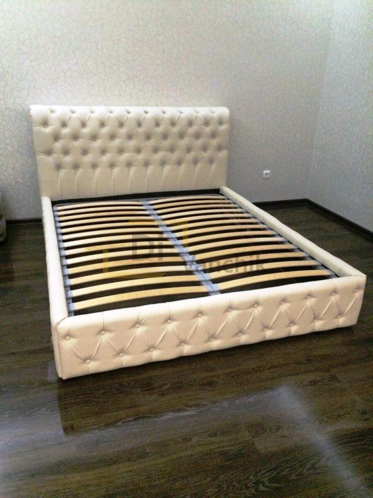 кроватка белая в пиковке