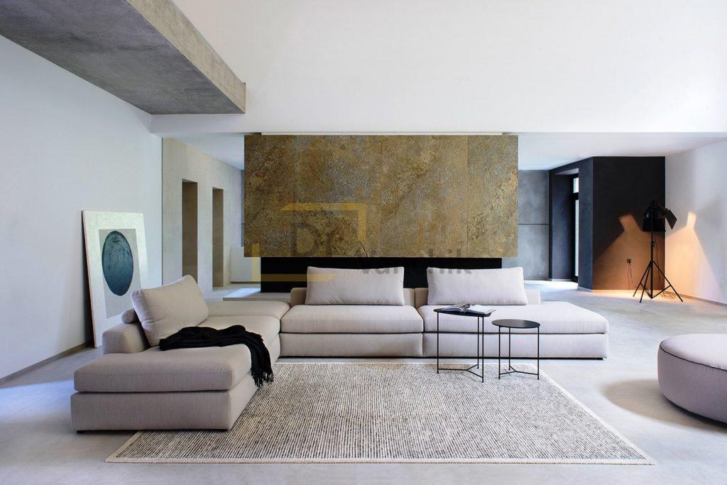 белый диван для загородного дома