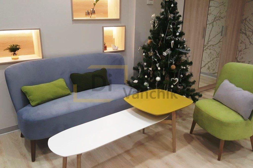 диван и кресло в офисное помещение