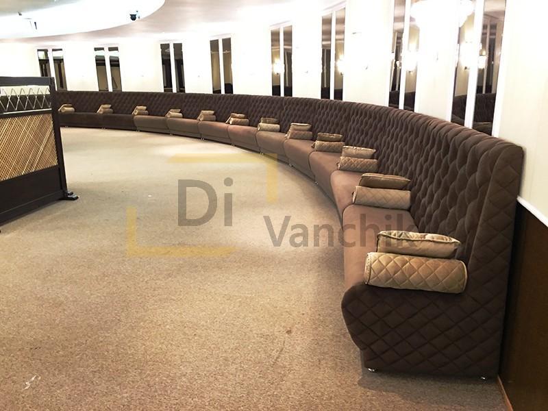 большой эркерный радиусный диван в бар Киев