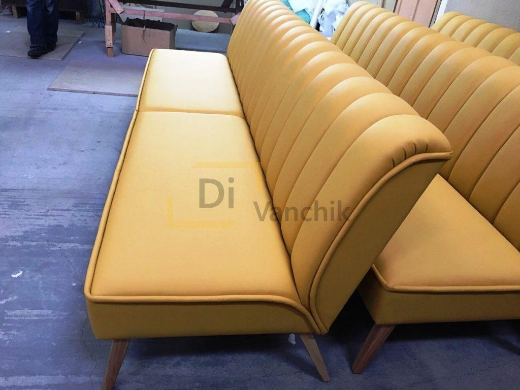 желтые диваны для нового бара Киев