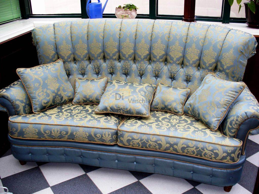 класический диван с ткани от производителя в Киеве